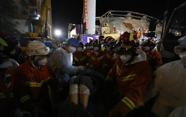 Обрушение отеля в Китае: число жертв выросло до 20 человек