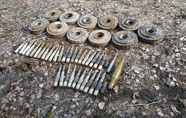На Луганщине нашли тайники с противотанковыми минами и снарядами