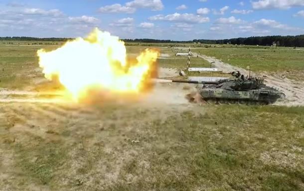 Модернизированный танк Т-72АМТ показали на видео