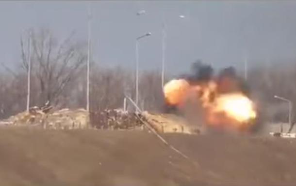 Сепаратисты показали видео атак по ВСУ под Песками