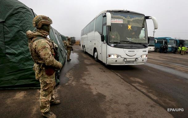 Все больше обстрелов. Март на Донбассе