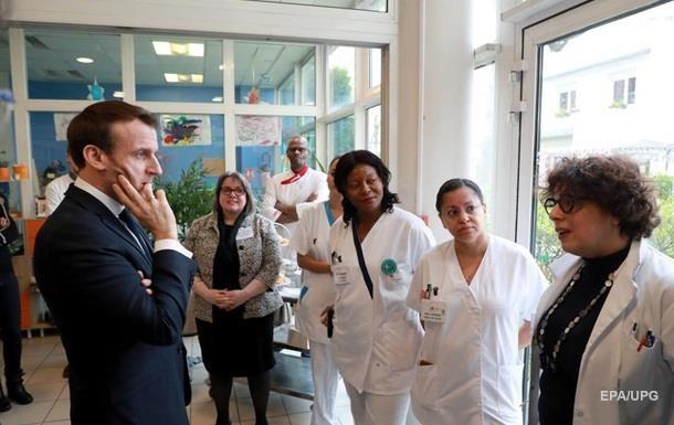 На коронавирус проверят главу администрации президента Франции