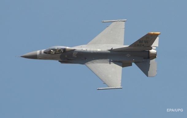 Военный истребитель F-16 разбился в Пакистане
