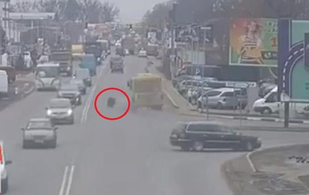 Под Киевом у маршрутки на ходу отпали колеса