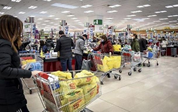 В супермаркетах Киева очереди из-за карантина