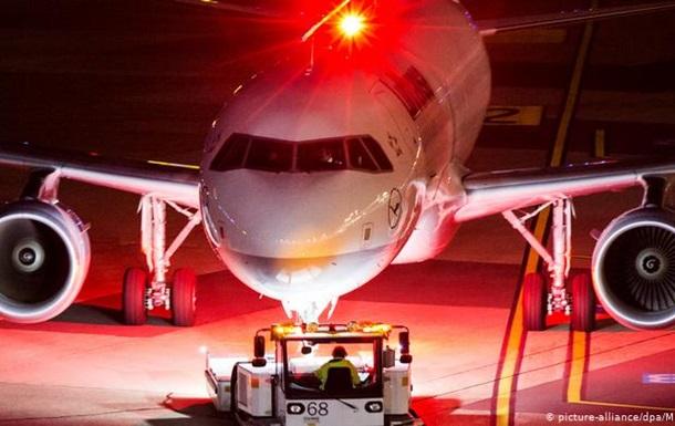 Lufthansa скасовує 23 тисячі рейсів через коронавірус