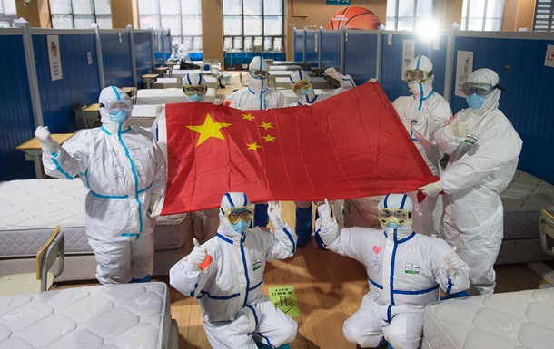 У Китаї заявили про проходження піку епідемії коронавірусу