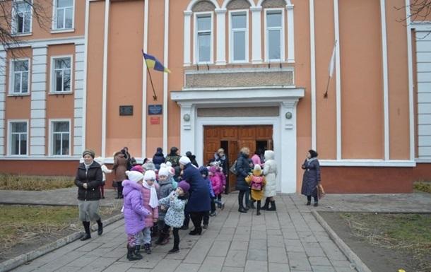 В Харькове не хотят закрывать школы, МОЗ грозит уголовной ответственностью