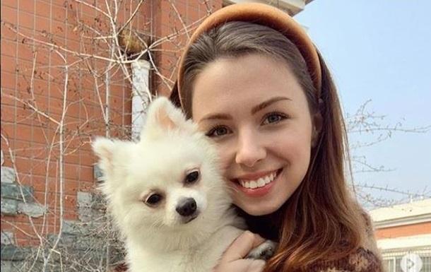 Украинка с собакой поедет в Пекин, чтобы оформить документы для эвакуации