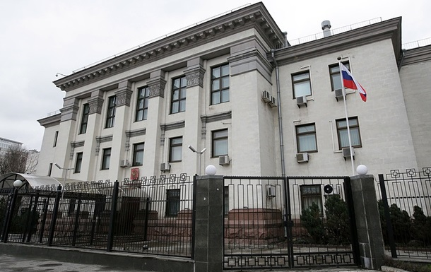 Киевсовет расторг договоры аренды с посольством РФ