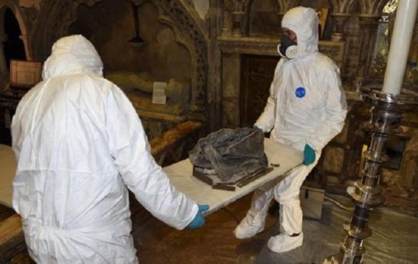 В церковной стене найдены человеческие останки: фото