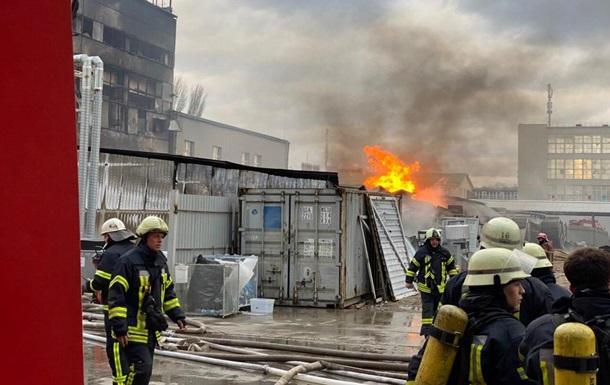 У Києві сталася пожежа на хімзаводі Укроргсинтез