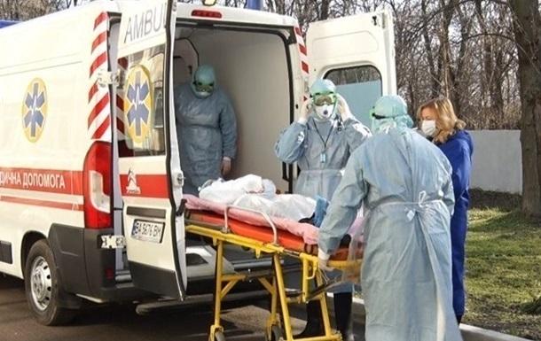 Число подозрений на COVID-19 в Украине выросло