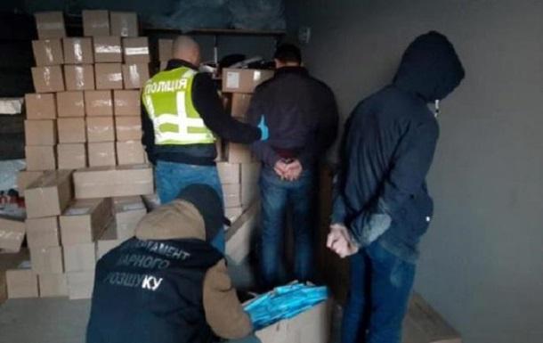 В Киеве ограбили бизнесменов при перепродаже масок