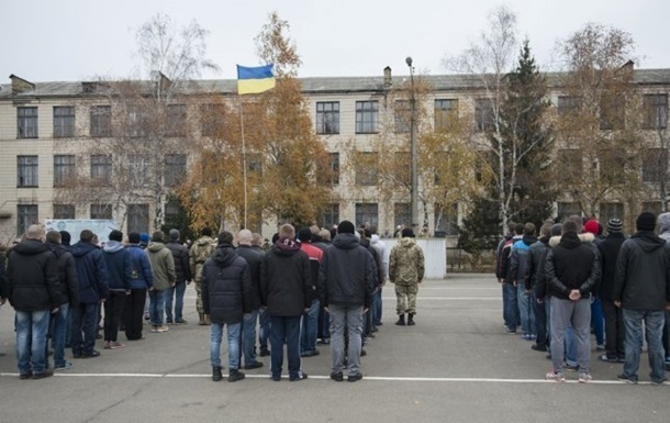 В Україні відклали призов до армії
