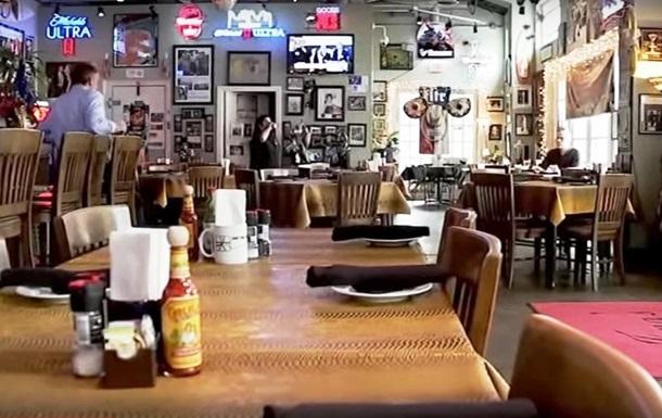 Клиент оставил $10 тыс чаевых в ресторане из-за COVID-19