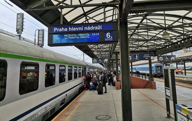 З Чехії поїздом повертаються 900 українців