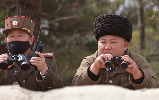 Ким Чен Ын провел военные учения