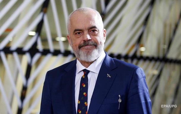В Албании резко сократят зарплаты министров на время эпидемии