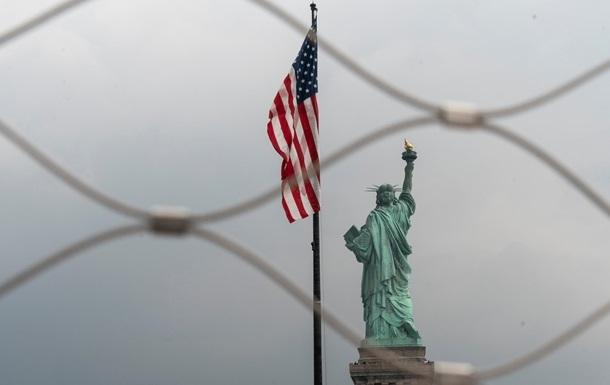США приостановили выдачу виз из-за коронавируса