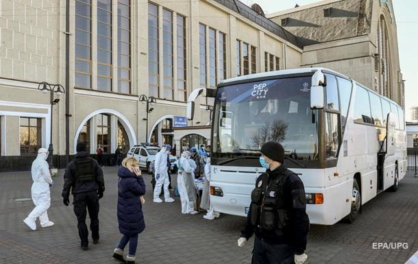 У Києві та ще двох областях оголосили режим НС