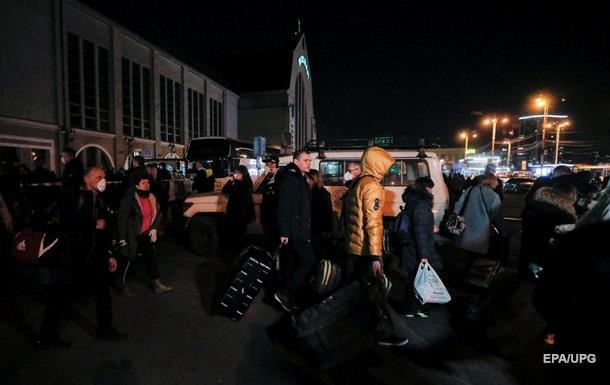 Семерых украинцев прибывших из Польши госпитализировали