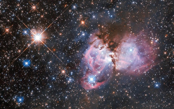 Hubble снял звездную колыбель в туманности Тарантул