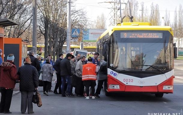 В Одессе общественный транспорт перевели в спецрежим работы