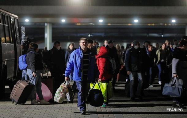 Почти 10 тысяч украинцев вернулись из-за границы за сутки