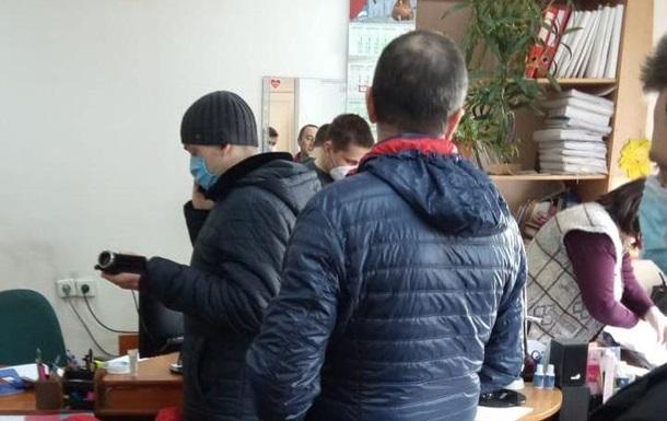 Правоохранители проводят обыски в Николаевской ОГА