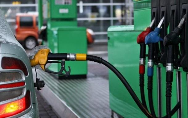 Ціни на бензин. Чому не дешевшає пальне