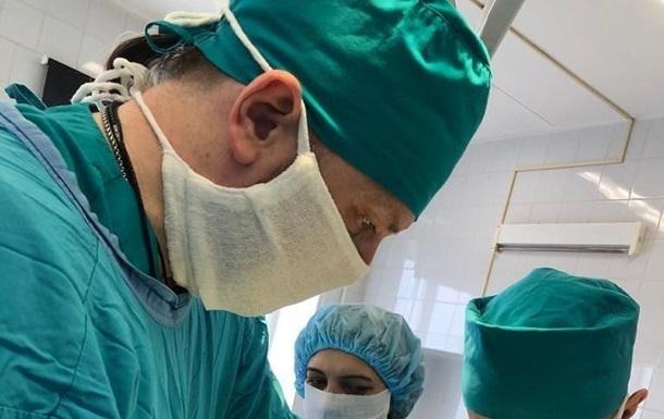 Хирурги достали из желудка девочки метровый ком волос