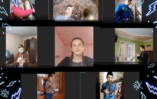 Ученики музшколы показали свое онлайн-занятие