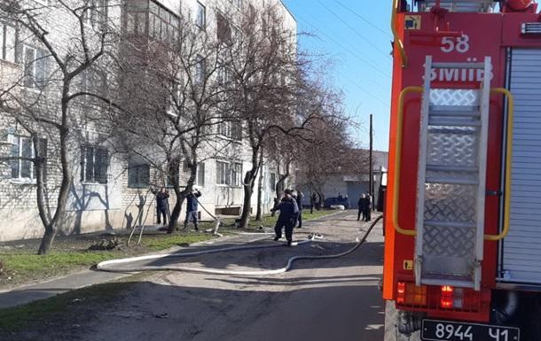 На Харківщині сталася пожежа з вибухом у багатоповерхівці