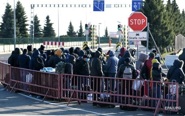 МИД ожидает три волны эвакуации украинцев