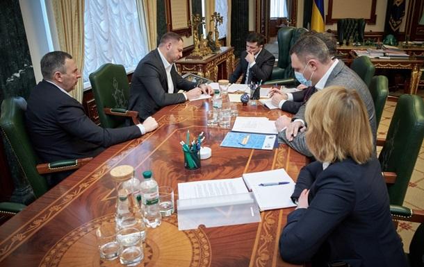 Зеленский обсудил с регионами возобновление работы рынков