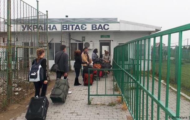 З 28 березня повернутися до України можна буде лише пішки чи машиною