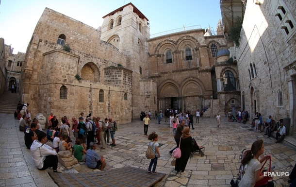 В Иерусалиме закрыли Храм Гроба Господня