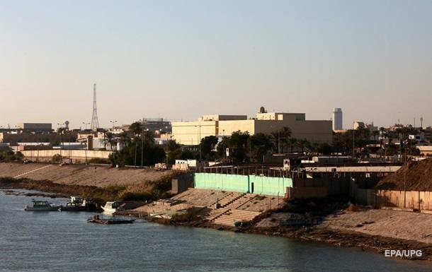 В Багдаде рядом с посольством США упали ракеты − СМИ