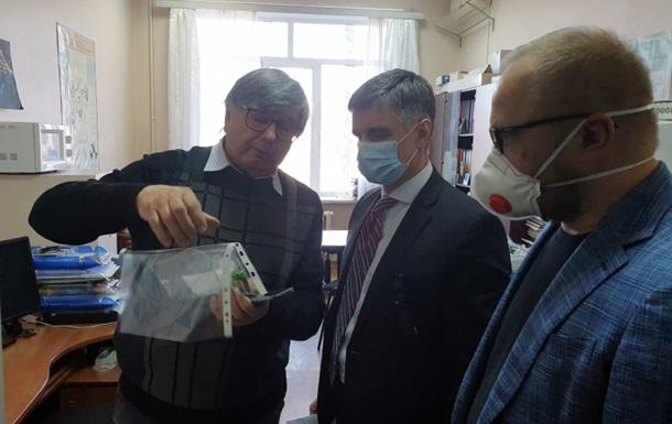 Кабмин показал разработанные тесты на коронавирус
