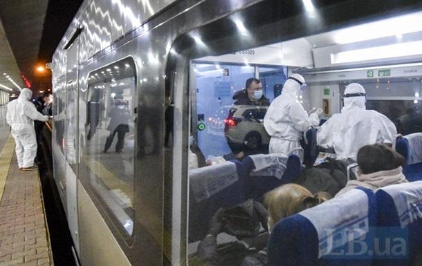 Из Польши прибыли еще два поезда с украинцами