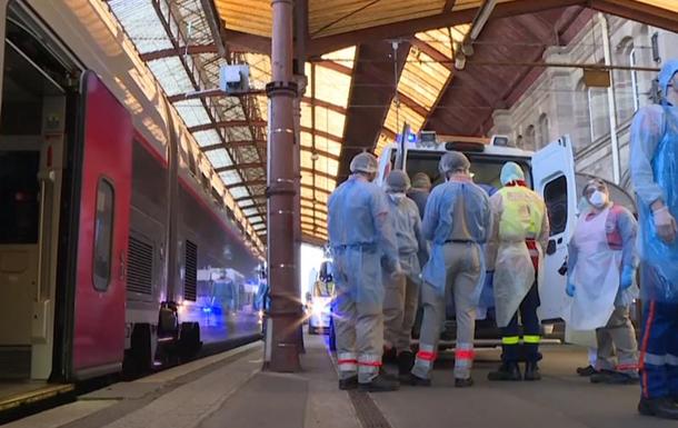 Франция эвакуирует больных на скоростных поездах