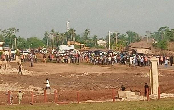 Названа причина взрыва в Нигерии, разрушившего сотню домов
