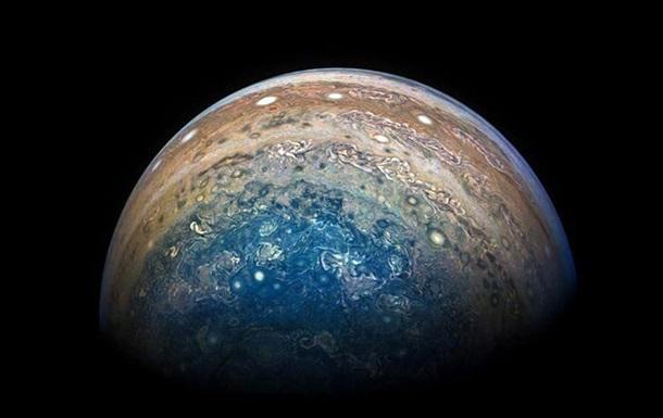 Супутник NASA надіслав нові фотографії Юпітера