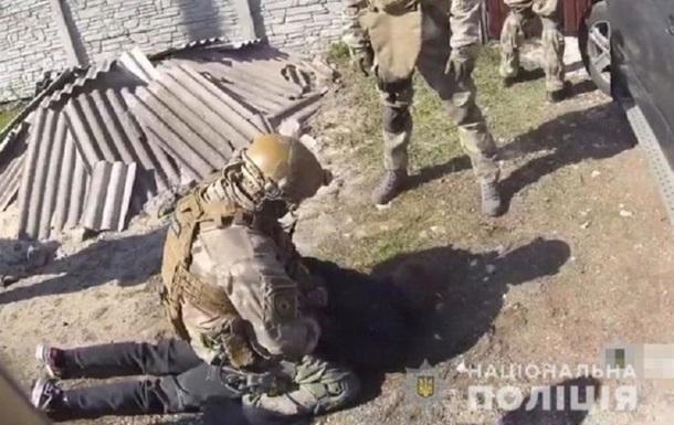 В Днепре спецназ задержал вооруженную группировку