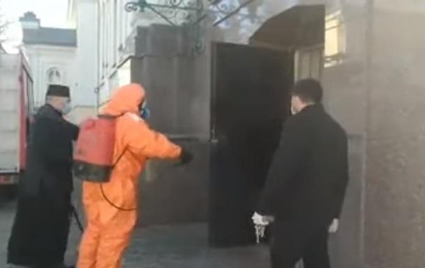В Луцке показали похороны умершего от коронавируса врача