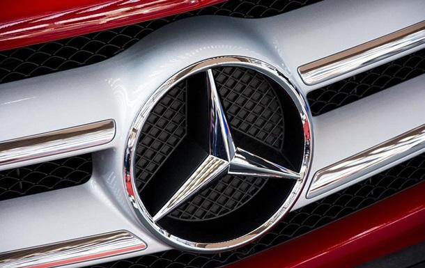 Mercedes-Benz изменил логотип из-за коронавируса