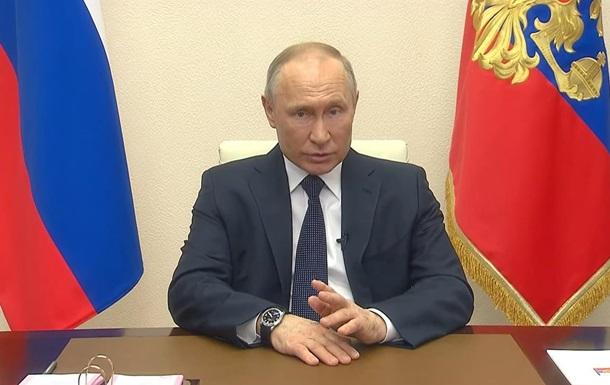 Путин продлил выходные в России на месяц