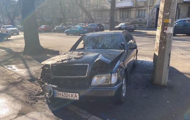 В Одессе сожгли автомобиль активиста