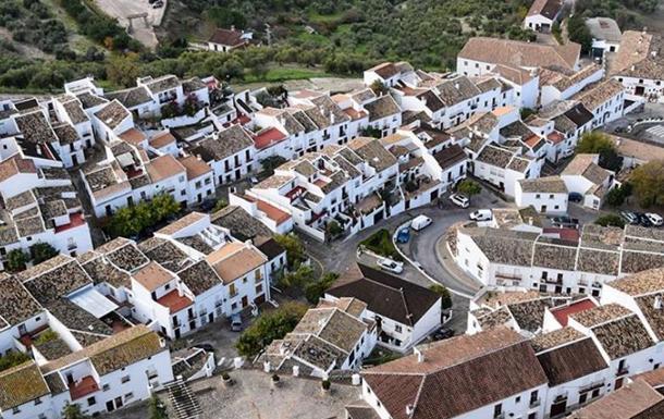 Небольшой испанский город обезопасил себя от коронавируса